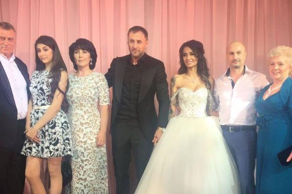 Александр Липовой и Александра Кабаева с родителями и родственниками