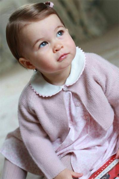 «Ее голубые глаза красивее, чем вся моя жизнь!» - оставил один из пользователей в сети восторженный комментарий