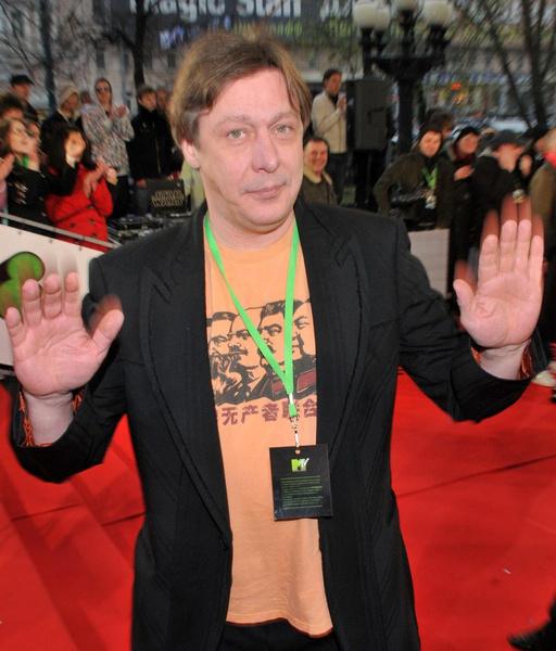 Михаил Ефремов предлагал помощь семье погибшего