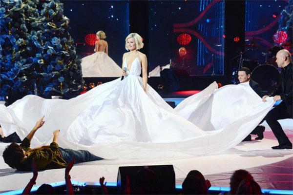 Выступление Полины Гагариной на «Евровидении» повторила актриса Екатерина Шпица