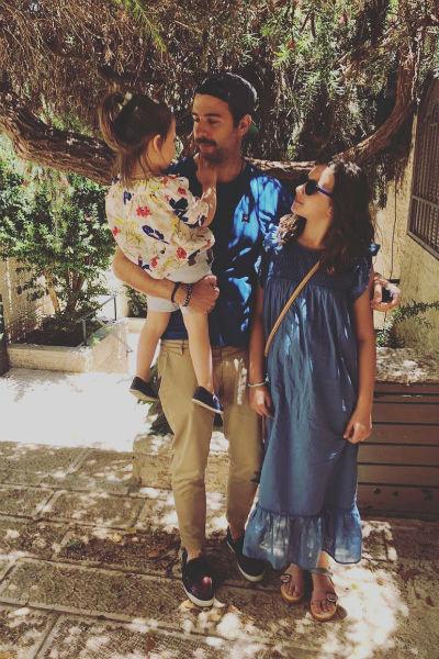 Иван Ургант с дочками Ниной и Валерией, Израиль, 2018 год