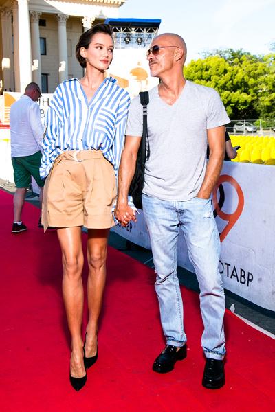 Два года назад Бондарчук и Паулина сыграли закрытую свадьбу...