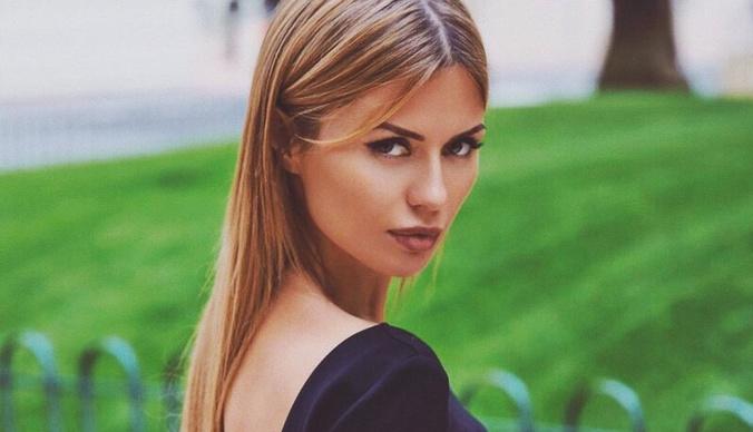 Виктория Боня опубликовала фото с округлившимся животом