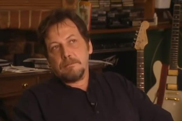Тим Стаффел был первым вокалистом группы Smile