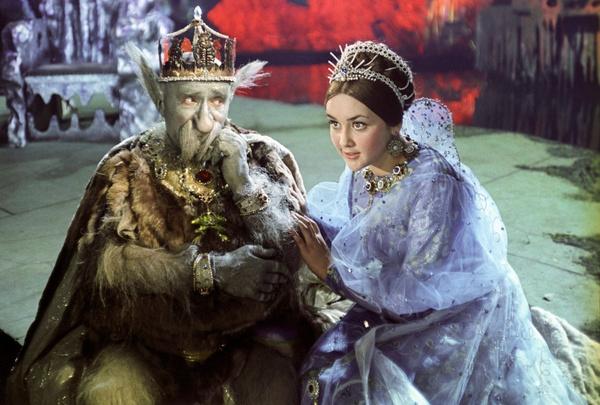Свадьбу Георгий Милляр сыграл на съемках картины «Варвара-краса, длинная коса»