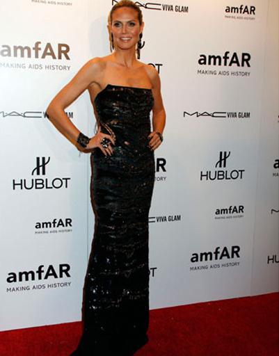 Хайди Клум появилась на гала-ужине без мужа Сила. Недавно пара объявила о разводе, однако Сил все еще надеется на воссоединение