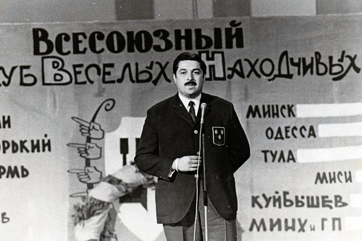 История с КВН началась для Юлия Соломоновича в 60-е годы.