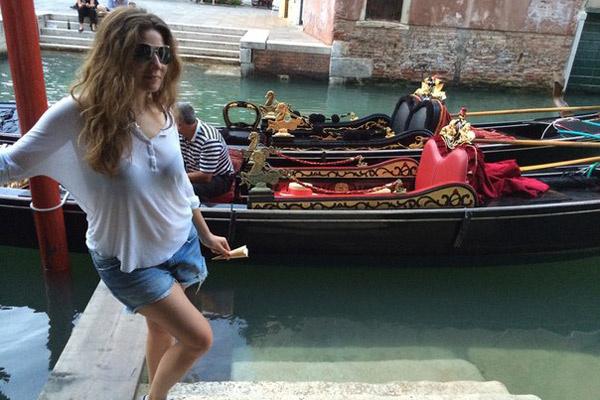 Жанна ездила не на гондолах, а на водных такси