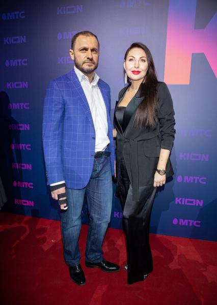 Актриса счастлива в браке с бизнесменом Романом