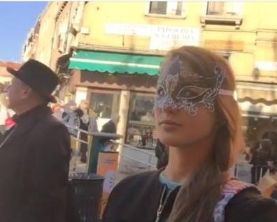Наталья Шевель с мужем Иваном Краско на прогулке