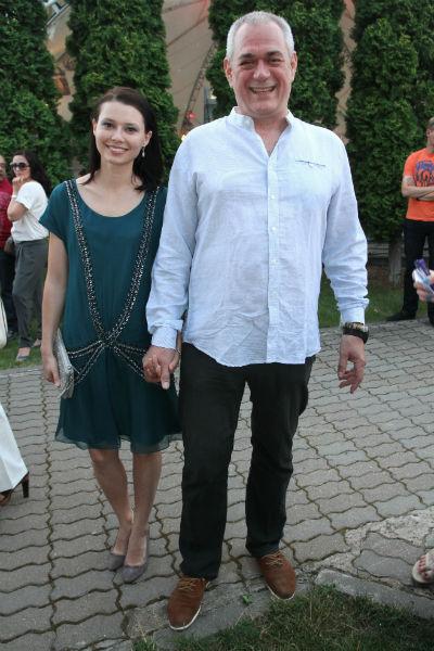 Журналист со второй супругой Юлией