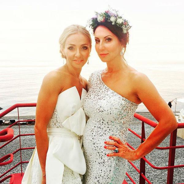 Татьяна Навка с подругой Аликой Смеховой