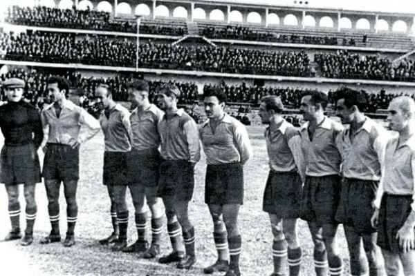 В тбилисском «Динамо»  Соткилава (шестой слева) был лучшим игроком
