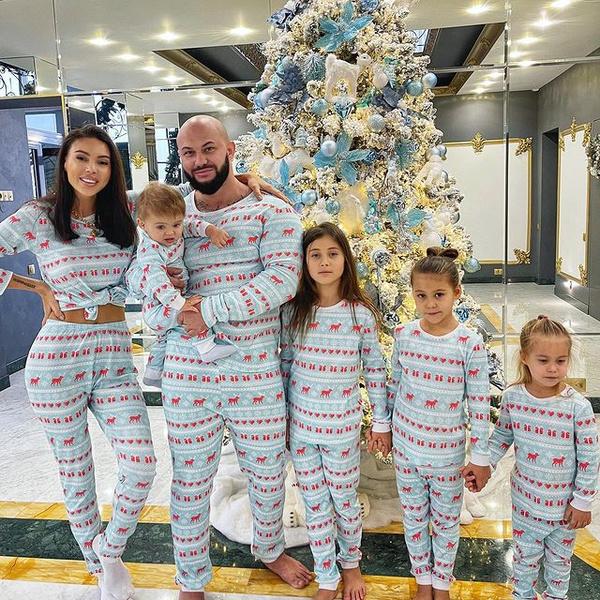 Оксана Самойлова с семьей