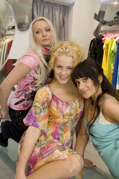 Вместе с подругами Леной Бушиной и Сашей Харитоновой Наталья пела в группе «Истринские ведьмы»