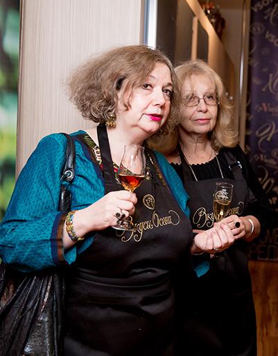 Мария Арбатова с гостьей вечера