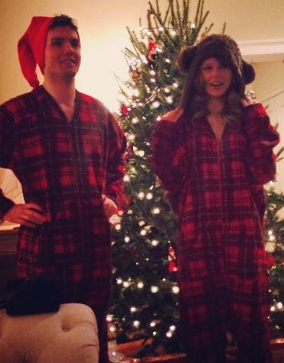 Певица Тэйлор Свифт со своим младшим братом Остином примерили одинаковые пижамы