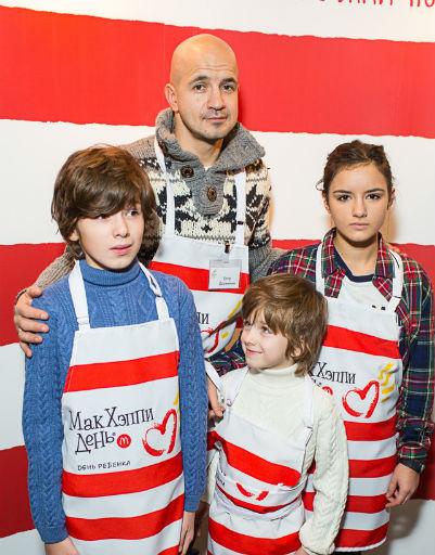 Егор Дружинин с детьми