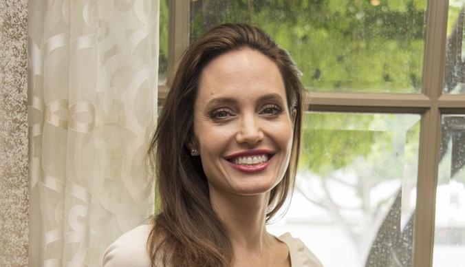 Бывшего бойфренда Анджелины Джоли обвиняют в изнасиловании несовершеннолетней