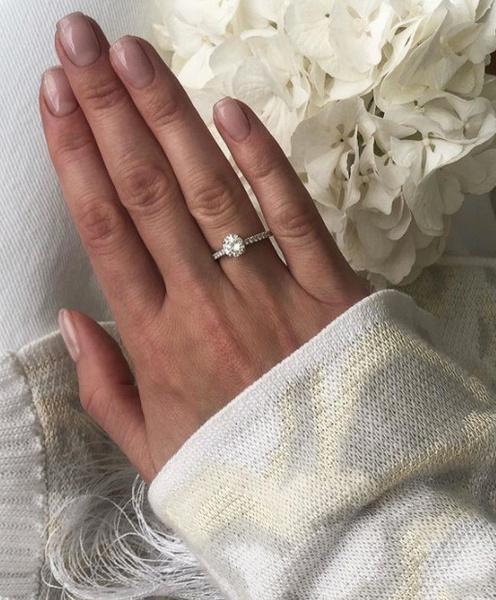 Кольцо, которое подарили Алексе