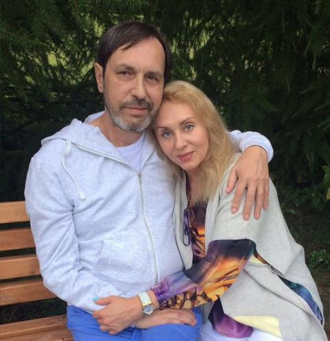 Носков с супругой Мариной