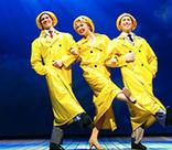 Звезды Бродвея представили в России мюзикл «Поющие под дождем»