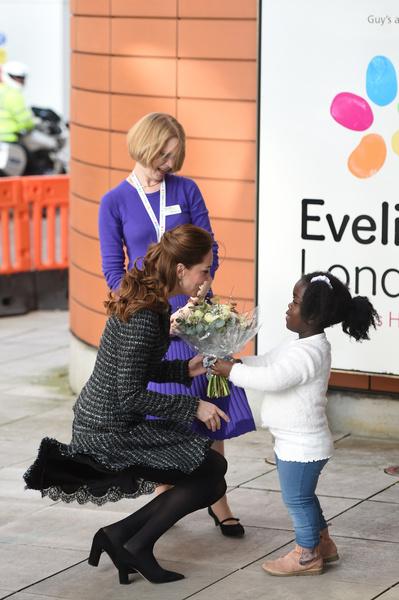 Кейт часто посещает детские центры