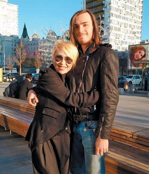 Валентина Легкоступова с сыном