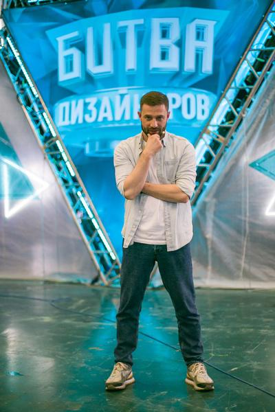 Валентин Коробков ведет «Битву дизайнеров»