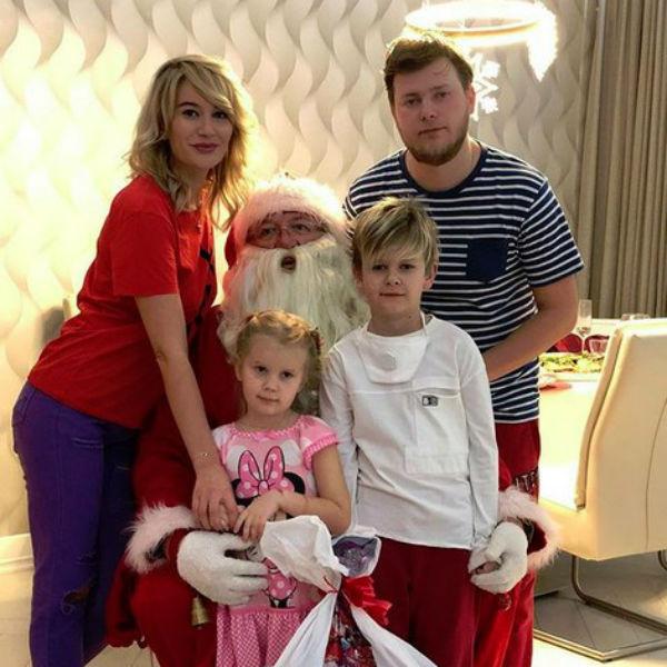 Елена Бушина с семьей отметила Новый год за границей