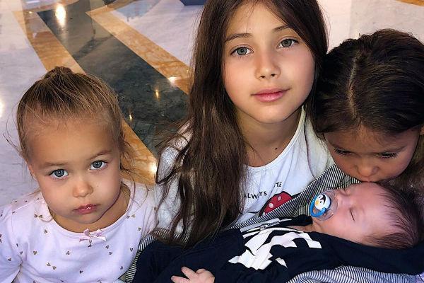 Оксана надеется, что развод не повлияет на психологическое состояние ее детей