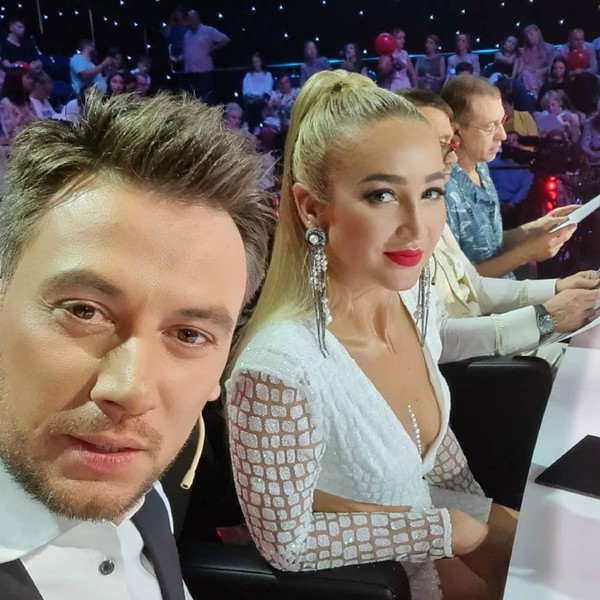 Руслан Алехно сидит в жюри вместе с Ольгой Бузовой