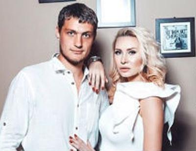 Элина Камирен и Александр Задойнов подготовились к рождению сына