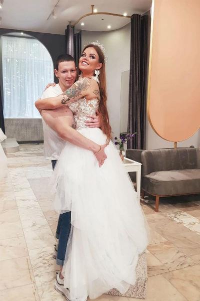 Несколько месяцев назад Кирилл планировал свадьбу с Олесей Малибу