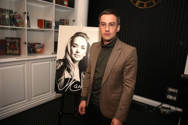 Три года назад Дмитрий Шепелев представил книгу о борьбе Жанны Фриске с раком
