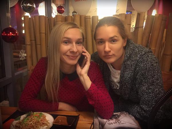 Анастасия дружит с Ольгой Николаевой много лет.