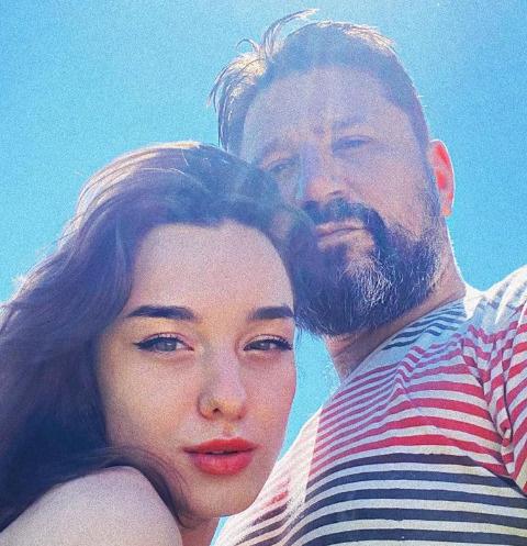 Виктор Логинов женится на 21-летней актрисе