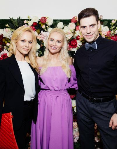 Юлия Прохорова с Дмитрием и Татьяной Дюжевыми