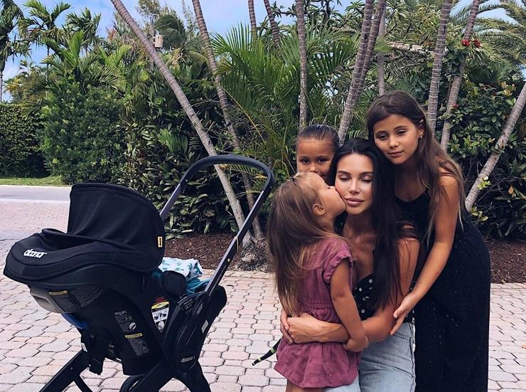 Оксана родила четвертого ребенка в феврале