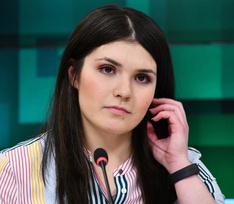Суд запретил Варваре Карауловой покидать жилье с 22 вечера до 6 утра