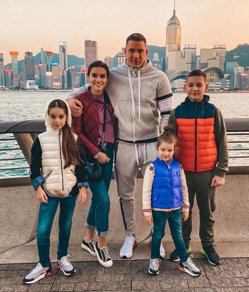 Семья ведущей «ДОМа-2» не отказывает себе в поездках по миру
