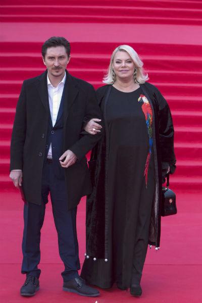 Яна и ее избранник Евгений перестали скрывать свои отношения в 2015 году