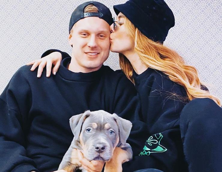 Янис Тимма и Анна Седокова недавно завели собаку