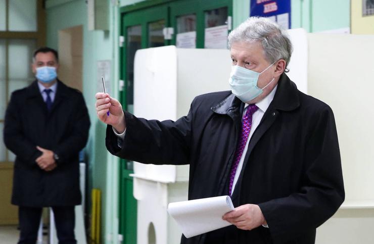 Явлинский попал в больницу сразу после выборов