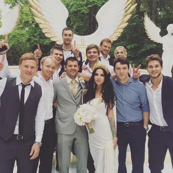 Поздравить Радулова и Дмитриеву пришли только родные и близкие