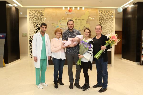 Татьяна и Максим счастливы, что стали родителями очаровательной девочки