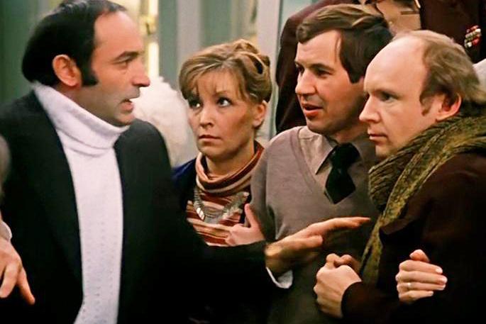 Гафт говорил, что не смел и подступиться к Остроумовой на съемках «Гаража»: во-первых, знал, что она занята, во-вторых, — полагал, что на таких актрисах нужно сразу жениться