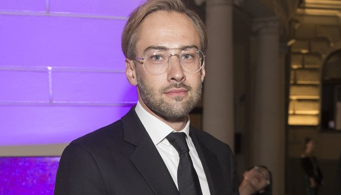 Дмитрий Шепелев считает гаджеты хорошим стимулом для сына