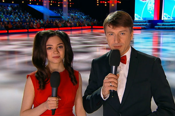 Предыдущий сезон Алексей вел вместе с Евгенией Медведевой