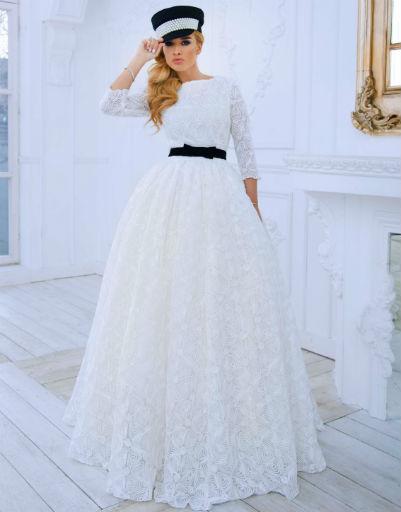 Необычный свадебный образ восхитил Ксению